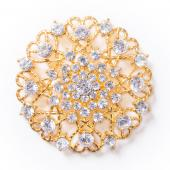 DecoStar™ Ornate Diamond-Encrusted Round Brooch in Gold